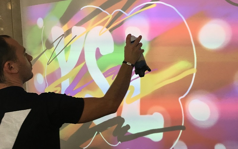 Animation graffiti team buildinfg - graffiti animation de graffiti virtuel entreprise digital innovation originale
